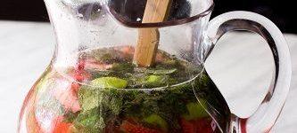 طرز تهیه نوشیدنی توت فرنگی