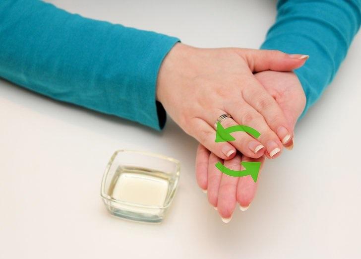 چگونه یک پاک کننده برای پوست های روغنی درست کنیم