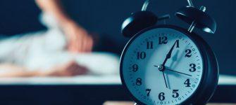 درمان بی خوابی بزرگ سالان به کمک طب سنتی