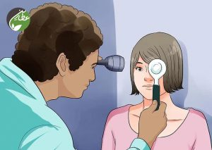 معاینه چشم توسط پزشک