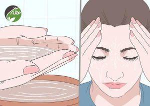 برای درمان بلفاریت پلک را با آب گرم بشویید