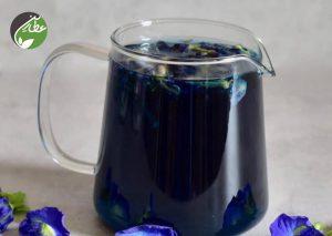 نوشیدنی به رنگ آبی