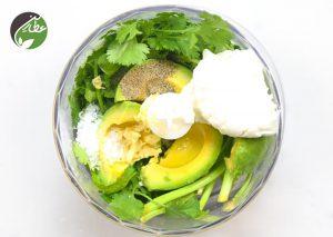 طرز تهیه درست کردن سس آووکادو و سبزیجات
