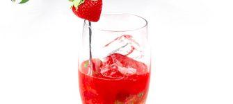 طرز تهیه یک شربت توت فرنگی ساده و جذاب